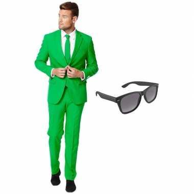 Groen heren kostuum maat 56 (xxxl) met gratis zonnebril