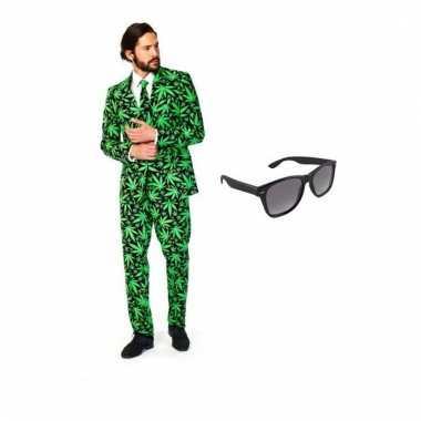 Heren kostuum met cannabis print maat 50 (l) met gratis zonnebri