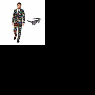 Heren kostuum met comic print maat 46 (s) met gratis zonnebri