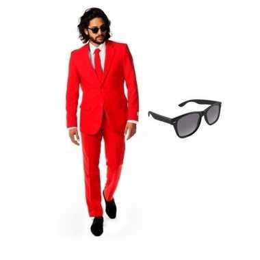 Rood heren kostuum maat 48 (m) met gratis zonnebril