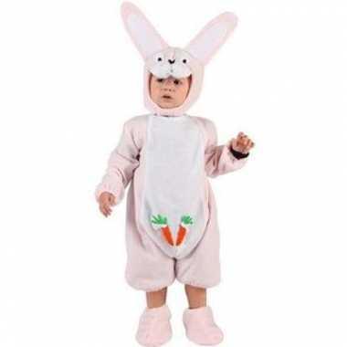 Roze konijnenkostuumje voor een baby